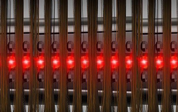 האור עובר ומגיע לשורשי השיער במכשירי היירמקס בעזרת פטנט הפרדת שיער
